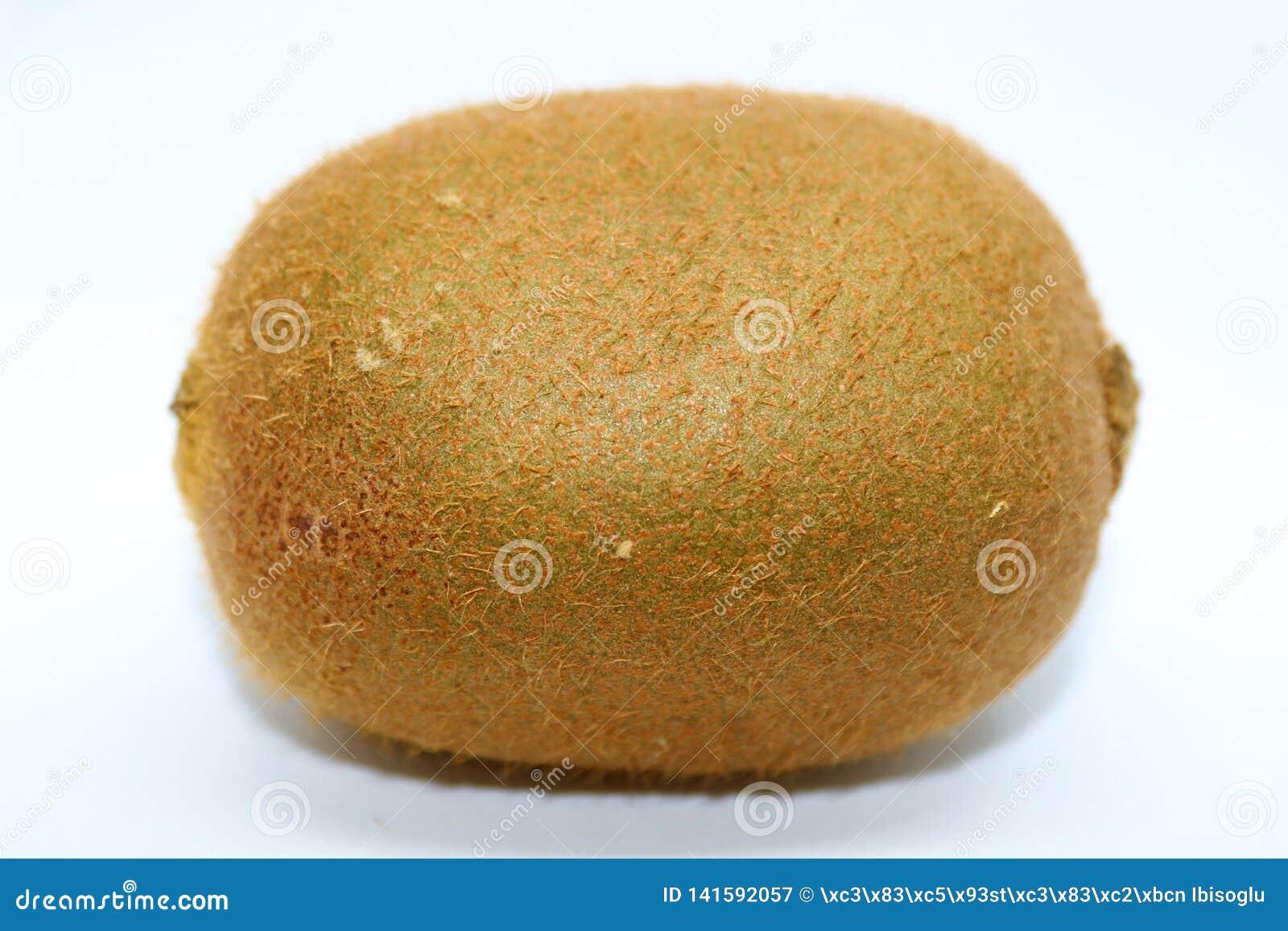 Frutta di Kiwi isolata su bianco