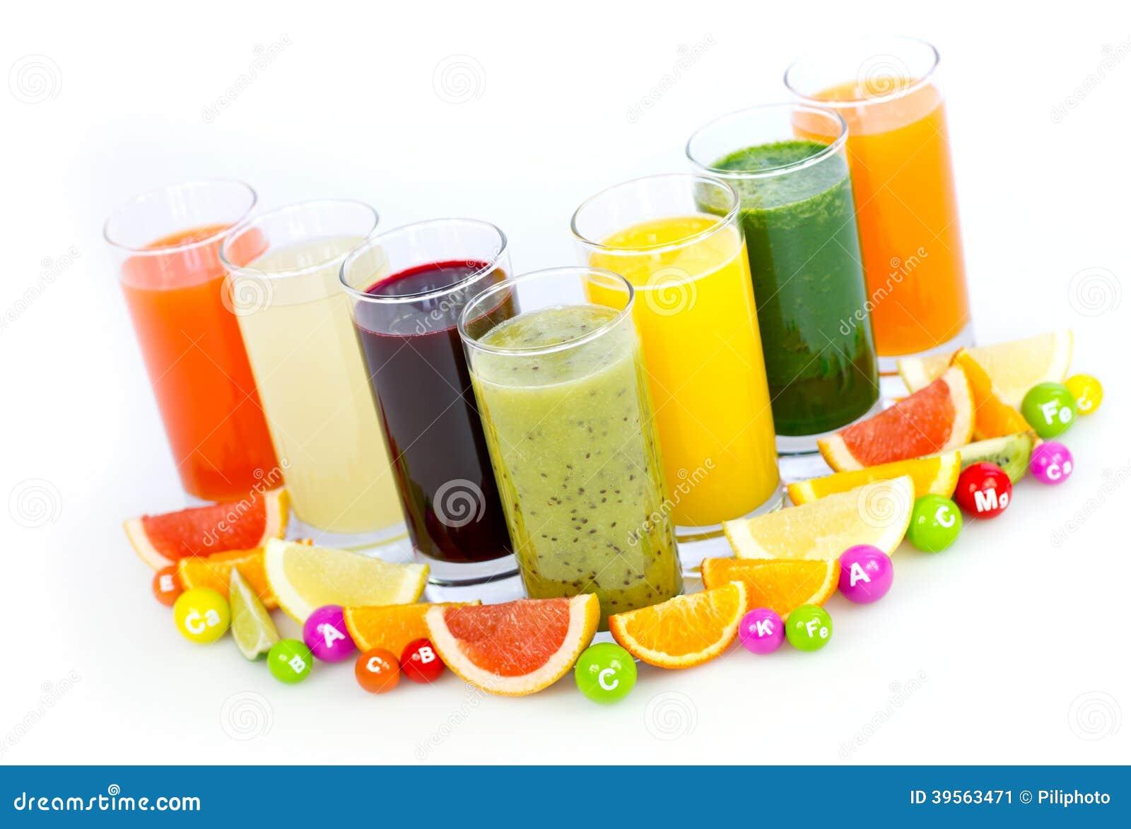 Frutta e succhi di verdura freschi e sani