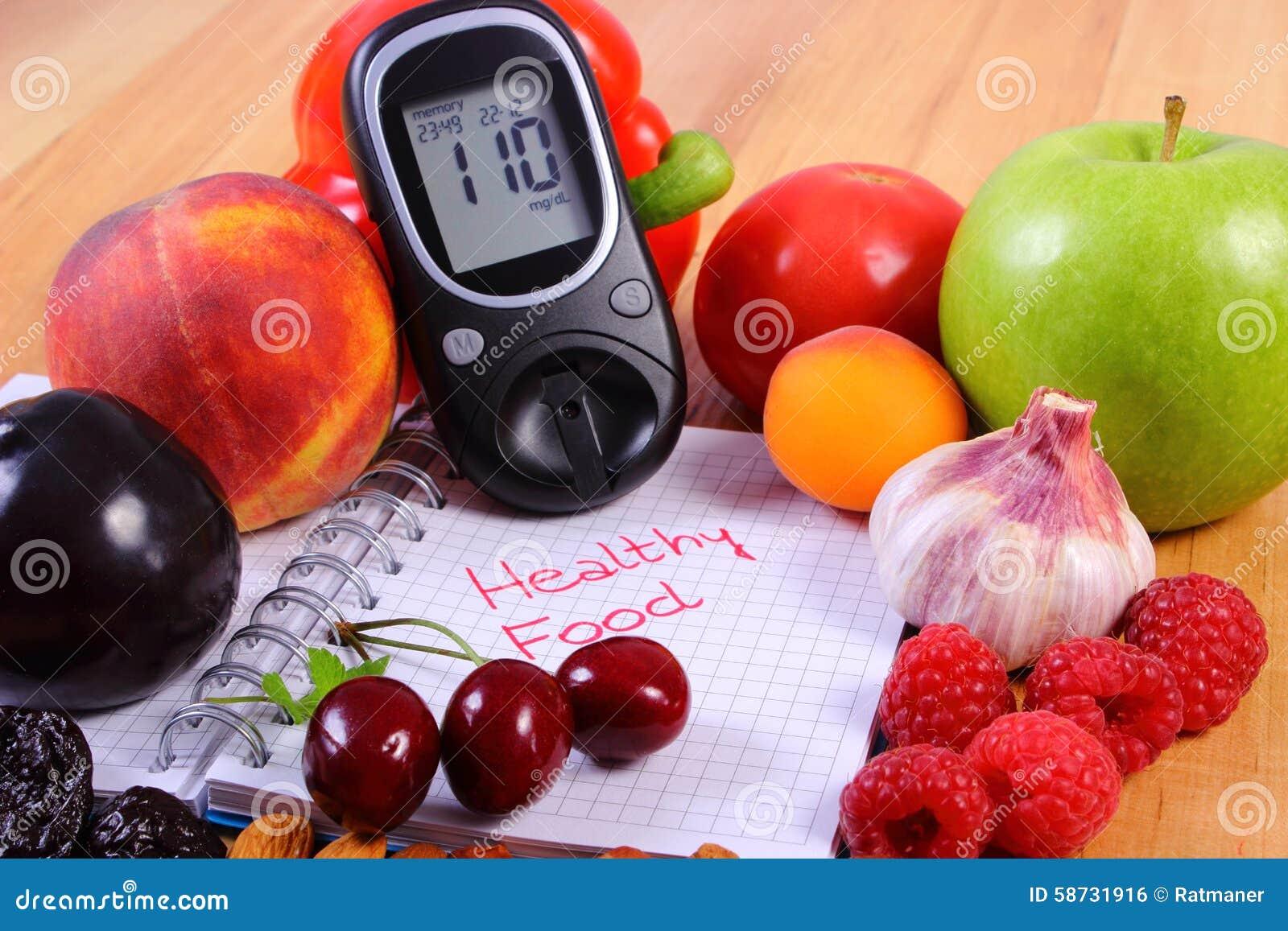 Spuntini Sani E Diabete : Frutta e verdure con il glucometer ed il taccuino per le note
