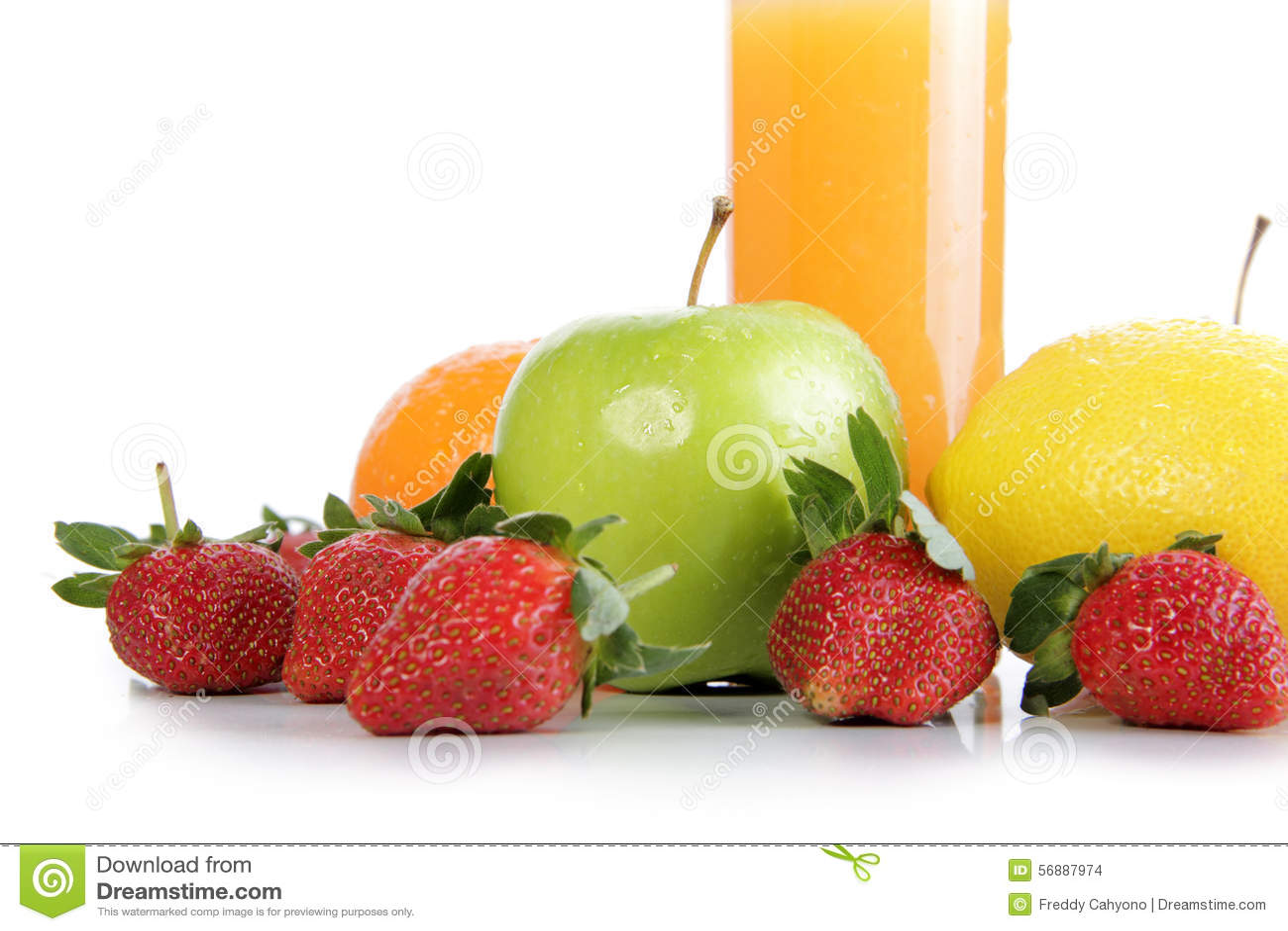 Frutta fresca e succo d arancia