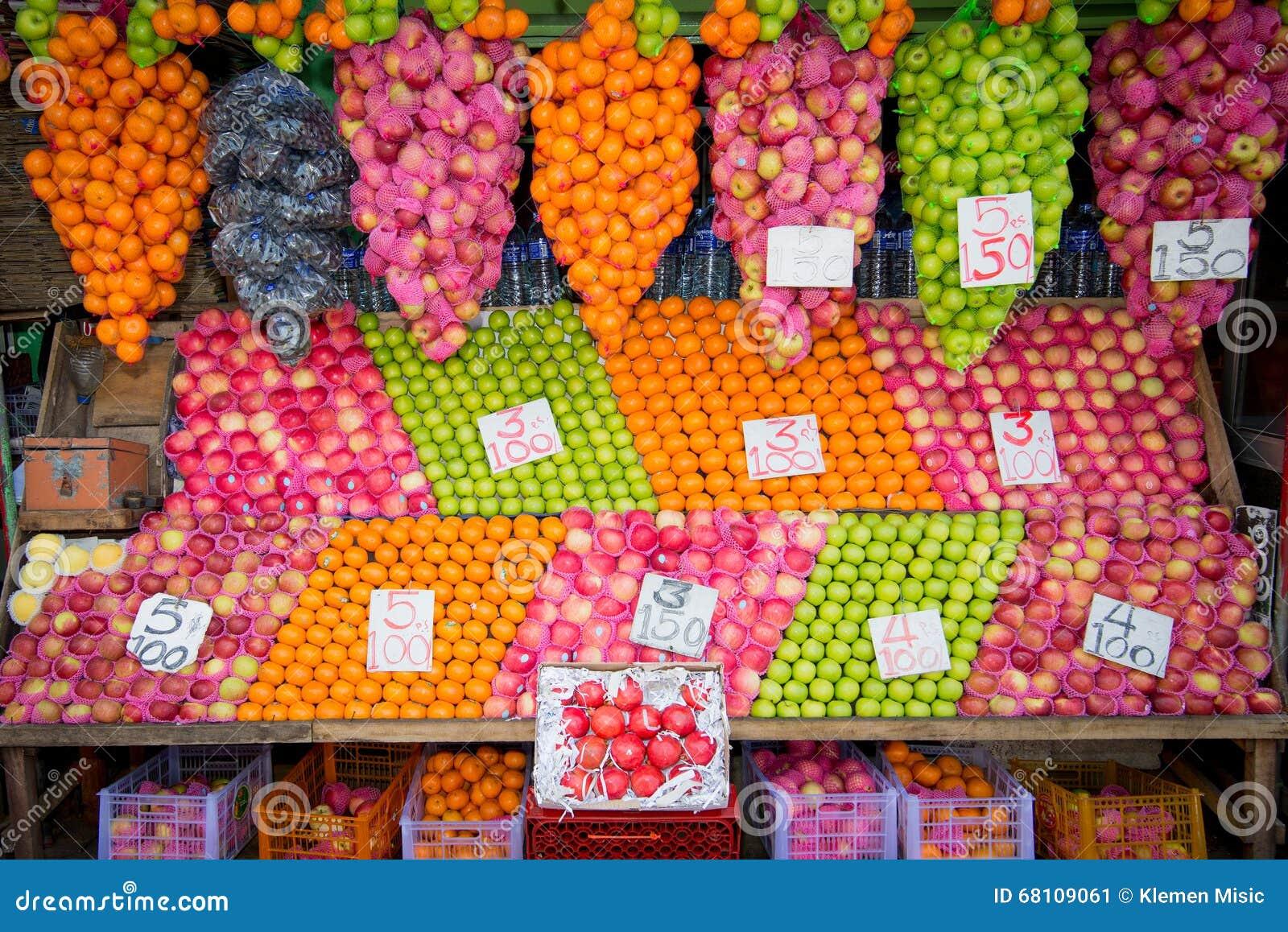 Frutta fresca sul mercato dell alimento di Colombo
