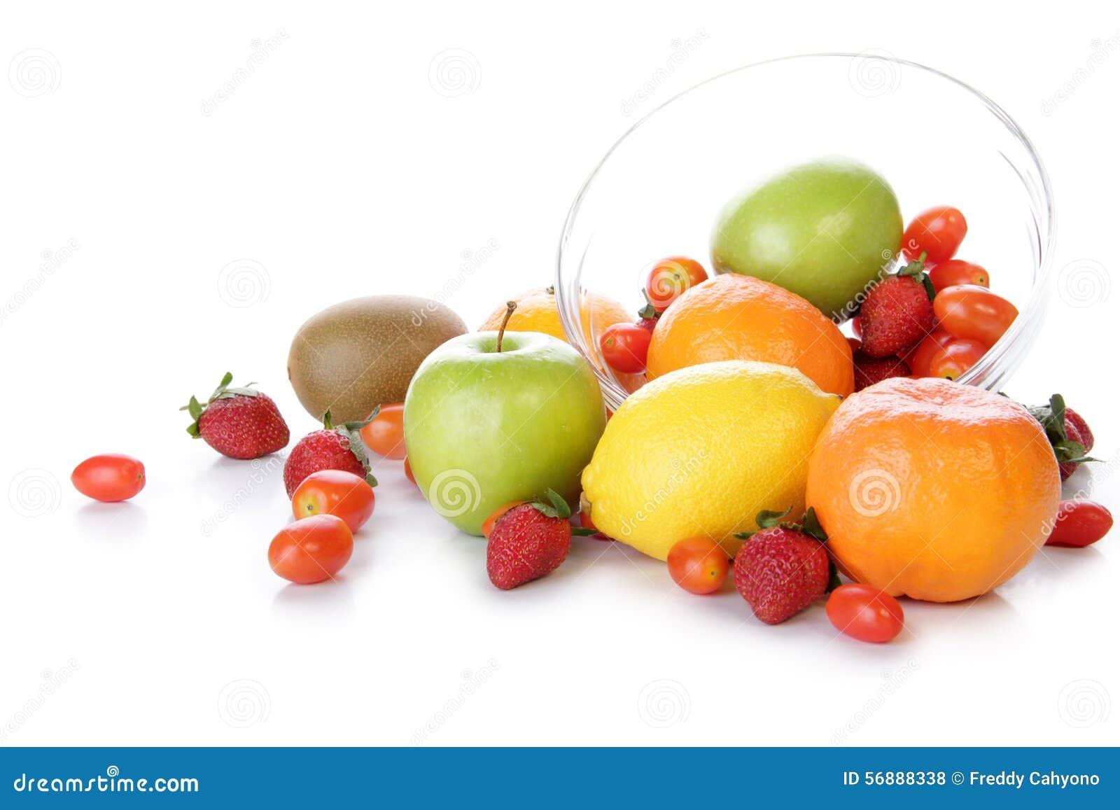 Frutta fresca in una ciotola