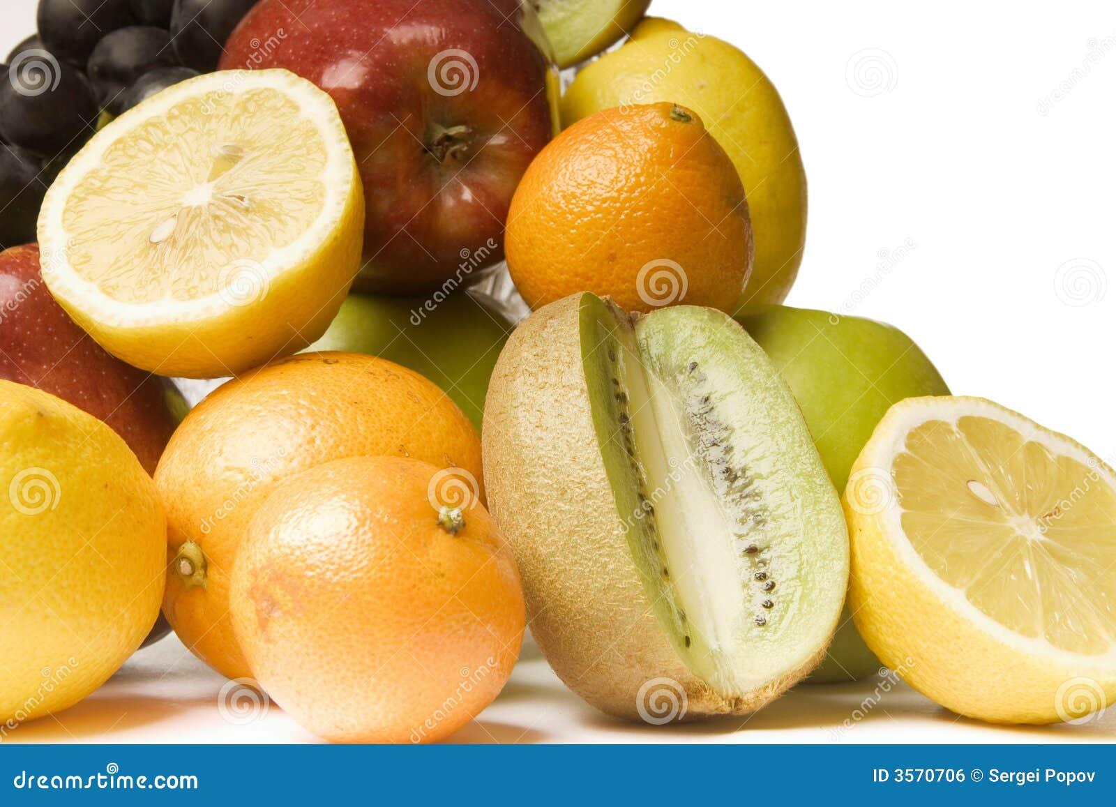 Frutta luminosa e sugosa