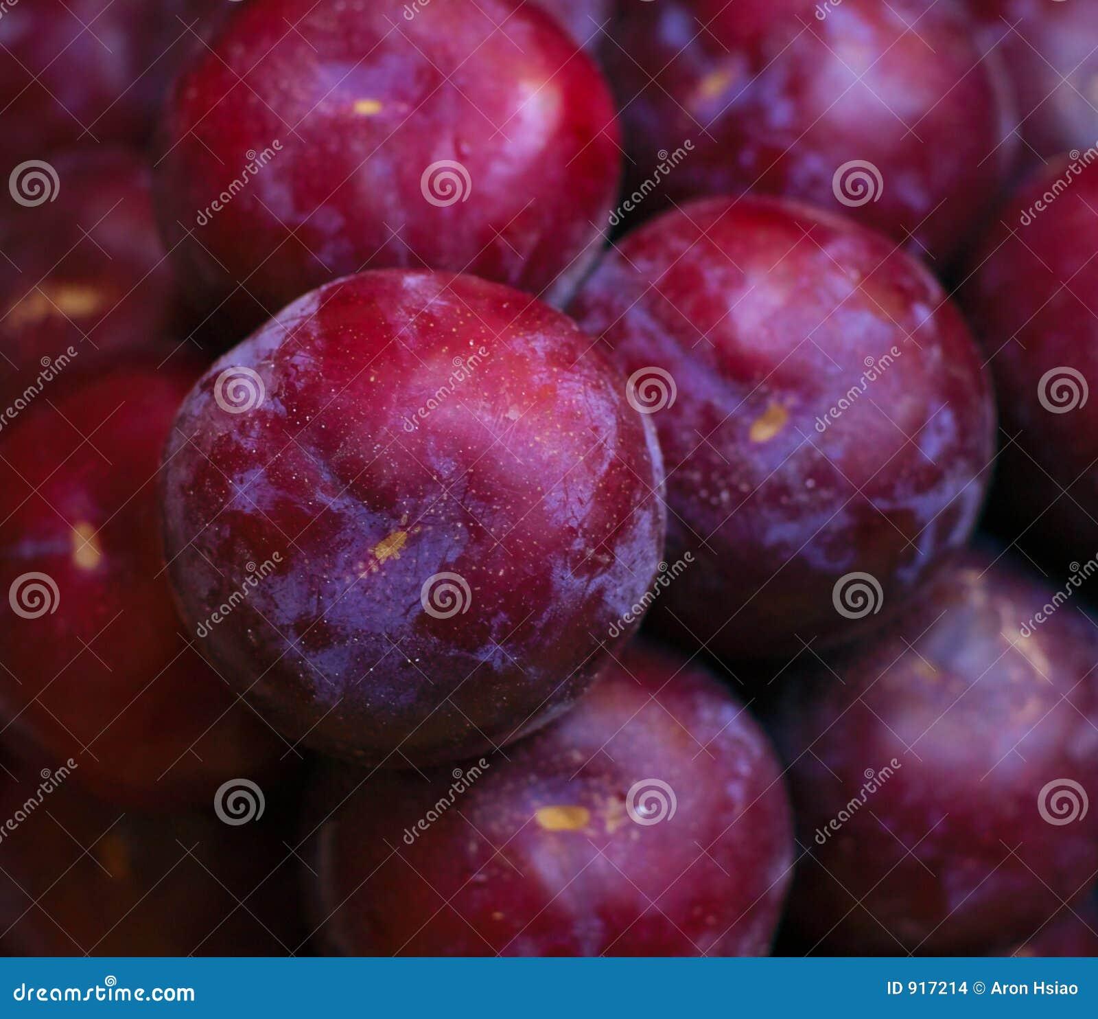 Frutta matura e albero-fresca pronta per trasporto o consumo