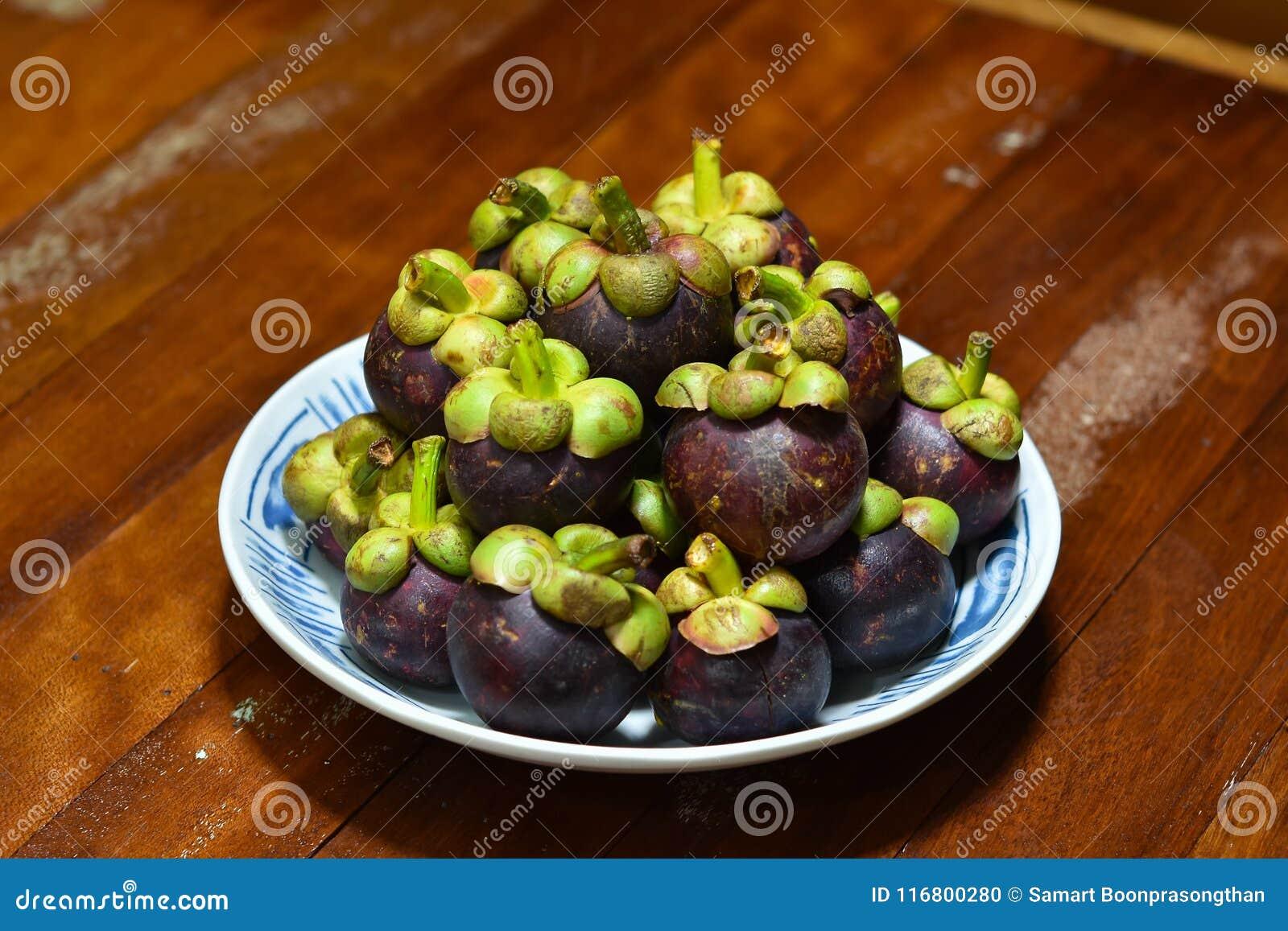 Frutta tropicale del mangostano di garcinia mangostana
