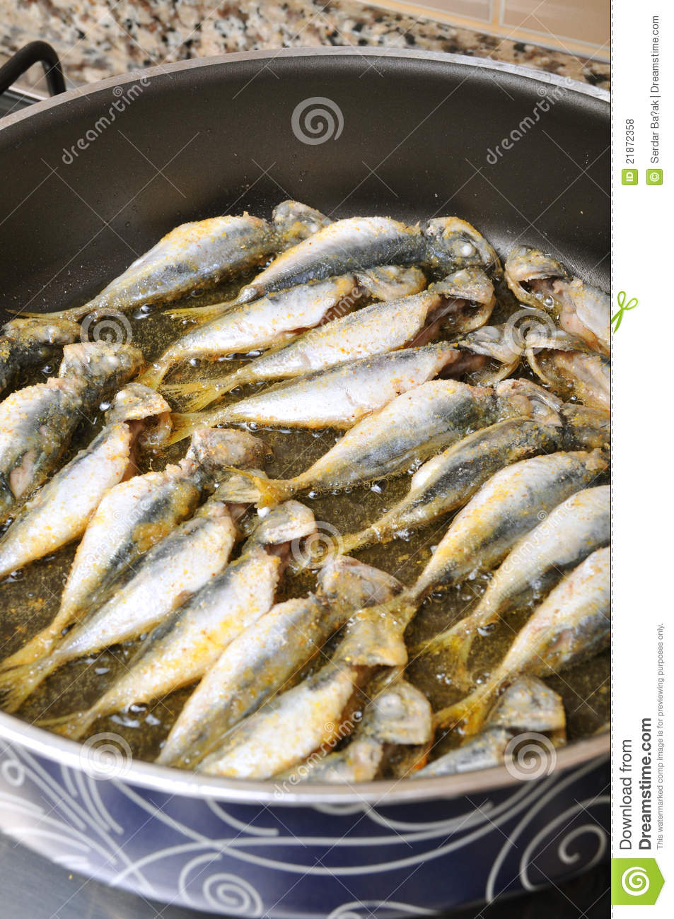 Frying fish royalty free stock photos image 21872358 for Best oil for frying fish