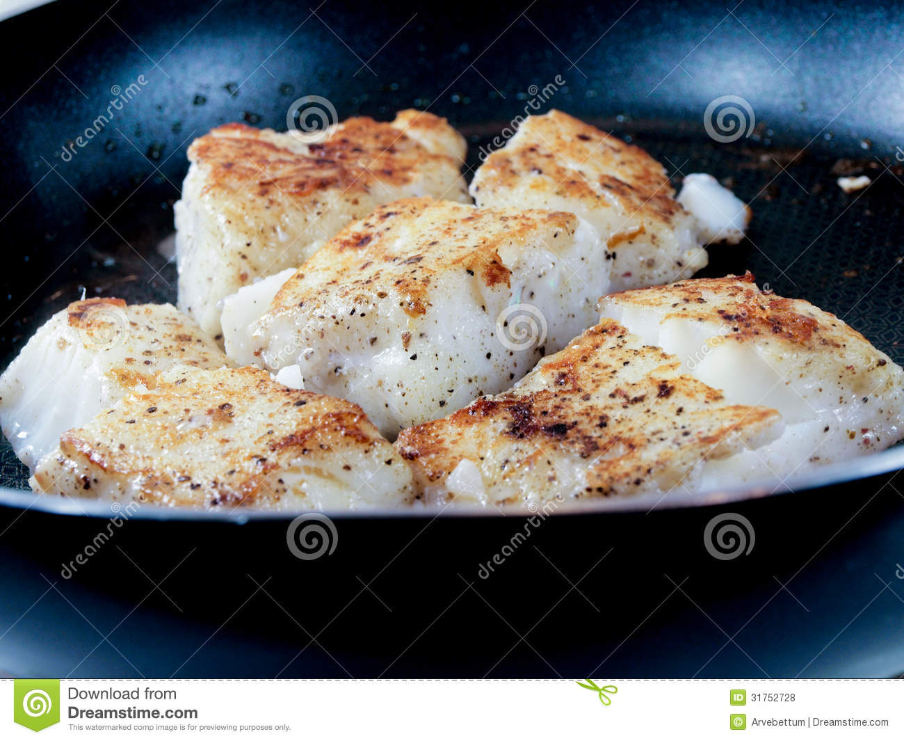 Frying fish royalty free stock photos image 31752728 for How to season fish for frying