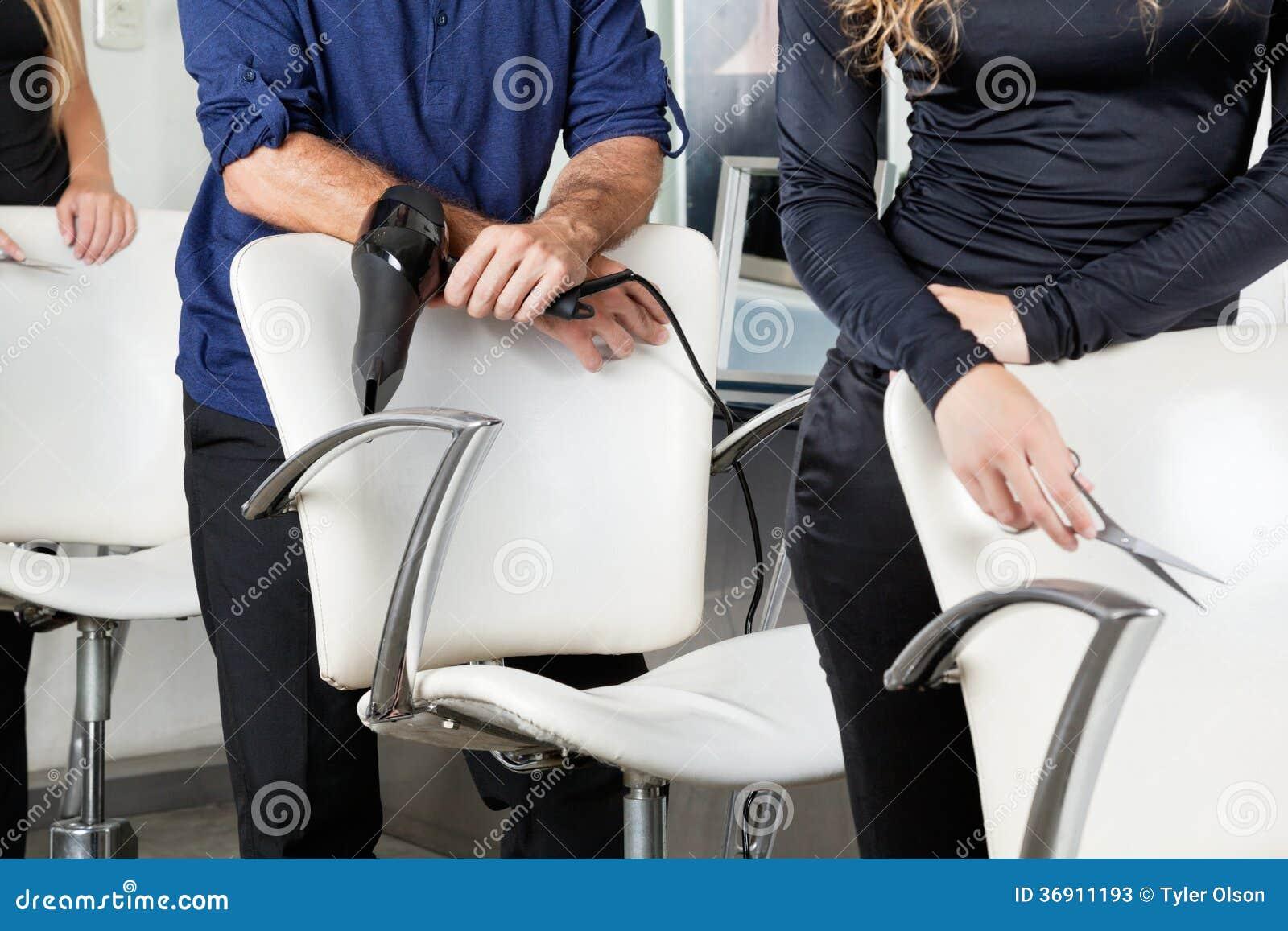 Fryzjery Z suszarką I nożycami