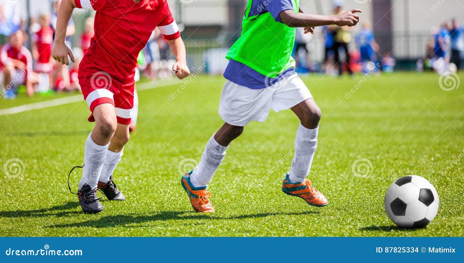 Fussballfussballspiel Fur Kinder Kinderfussball Teams Die