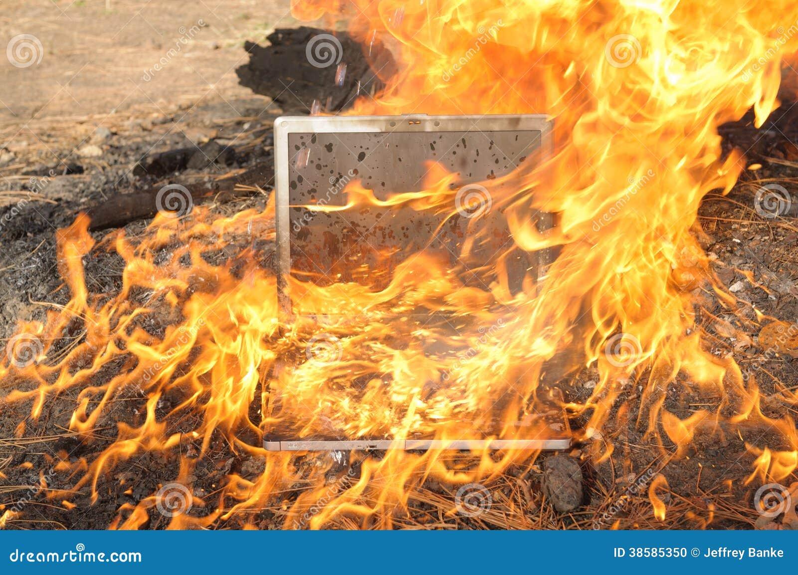 Fuego del ordenador portátil