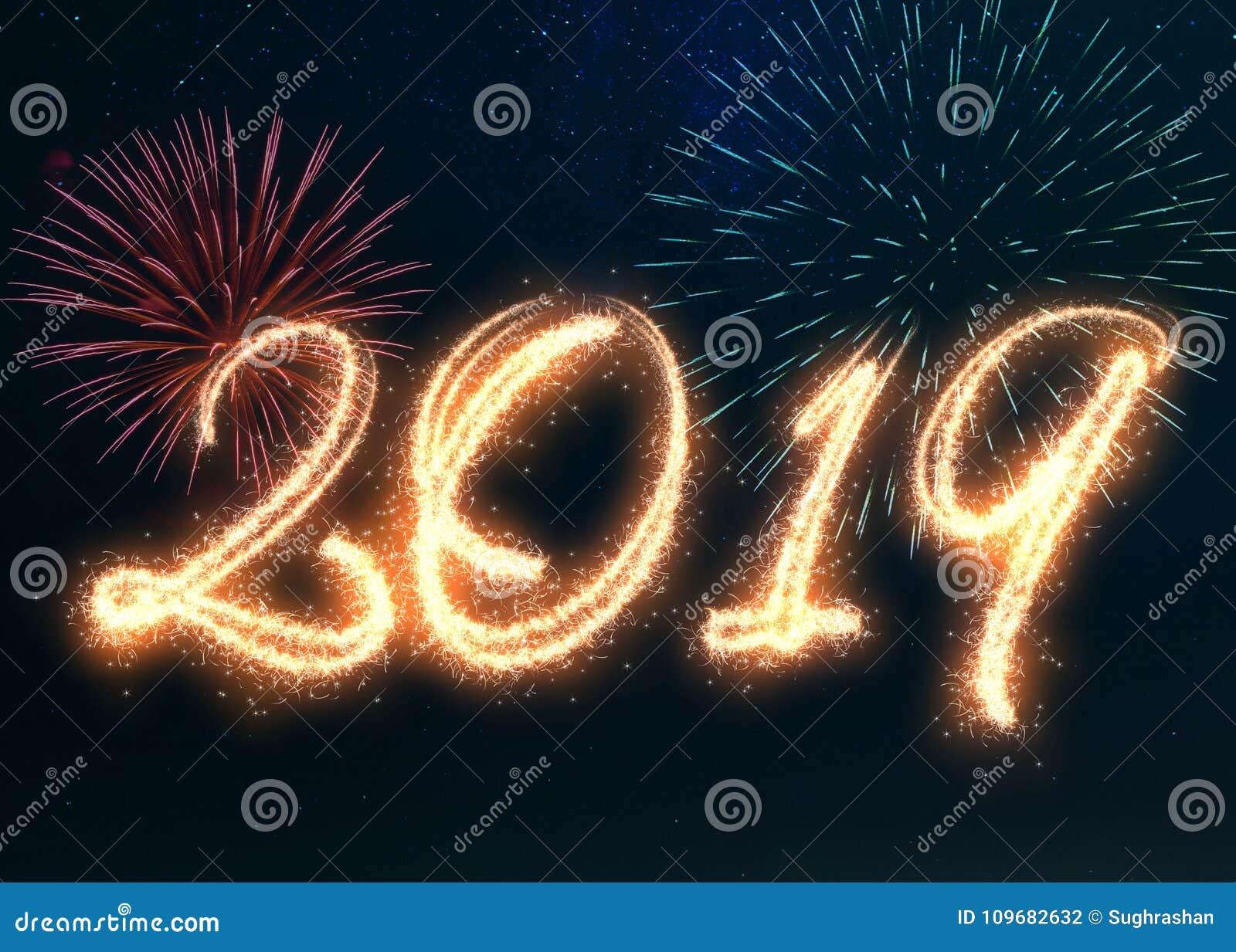 Fuegos Artificiales Chispeantes De La Feliz Ano Nuevo 2019 Stock De