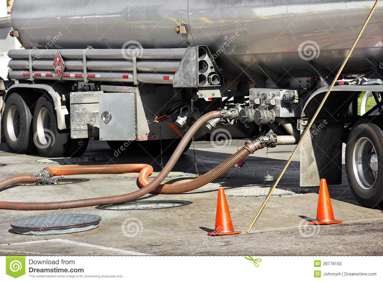 Fuel tanker deposits gasoline stock photo image 28778192 for Cuve fuel exterieur