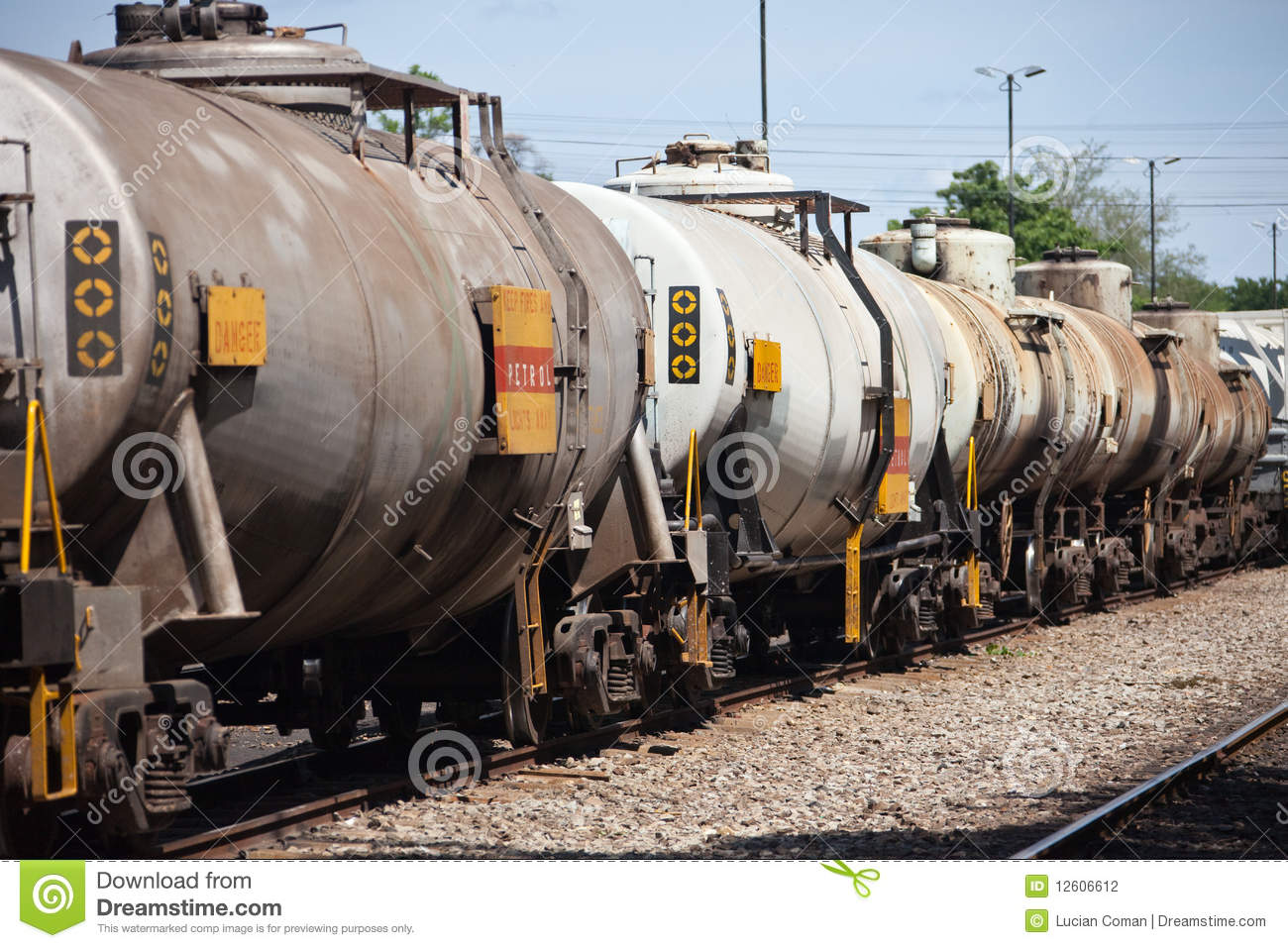 what kind of fuel do trains use