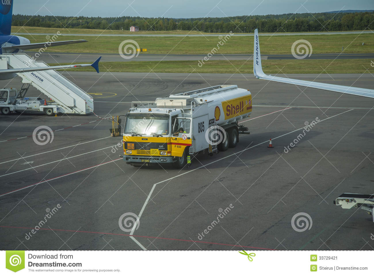 Airfield tanker editorial image 52524612 for Moss motors used cars airport