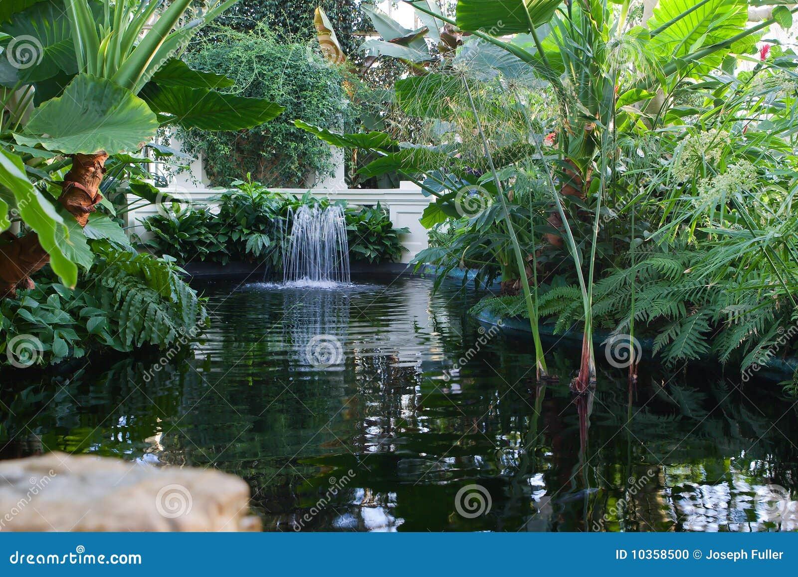 Fuente de agua de interior foto de archivo imagen 10358500 - Fuentes de agua interior ...
