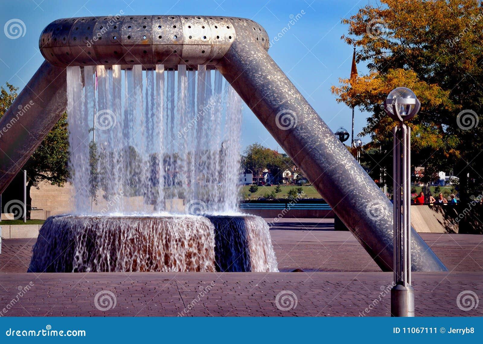 fuente de agua decorativa imagen de archivo