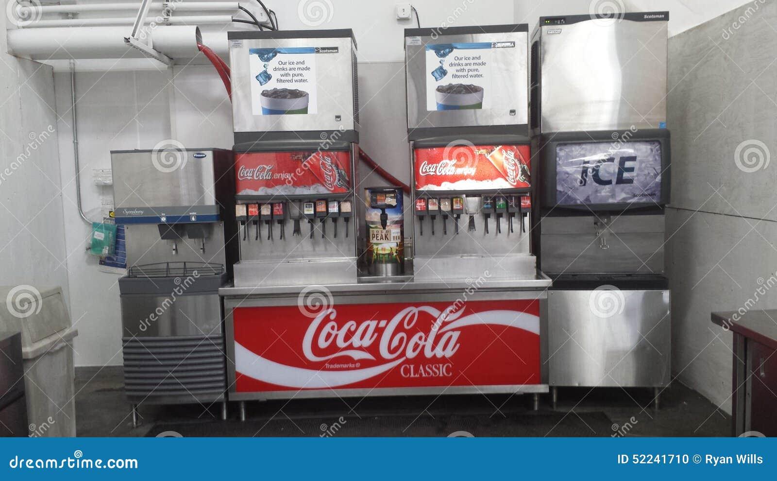 Fuente de soda imagen editorial imagen de fuente for Sillas para fuente de soda