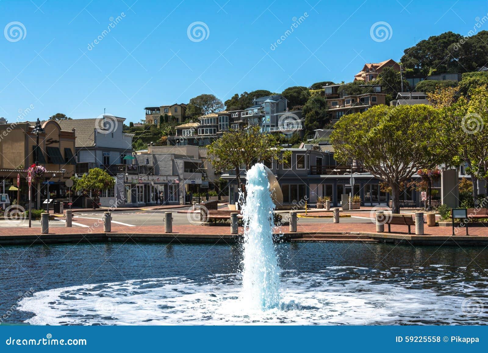 Download Fuente En Tiburon, California Foto de archivo editorial - Imagen de plaza, tiburon: 59225558