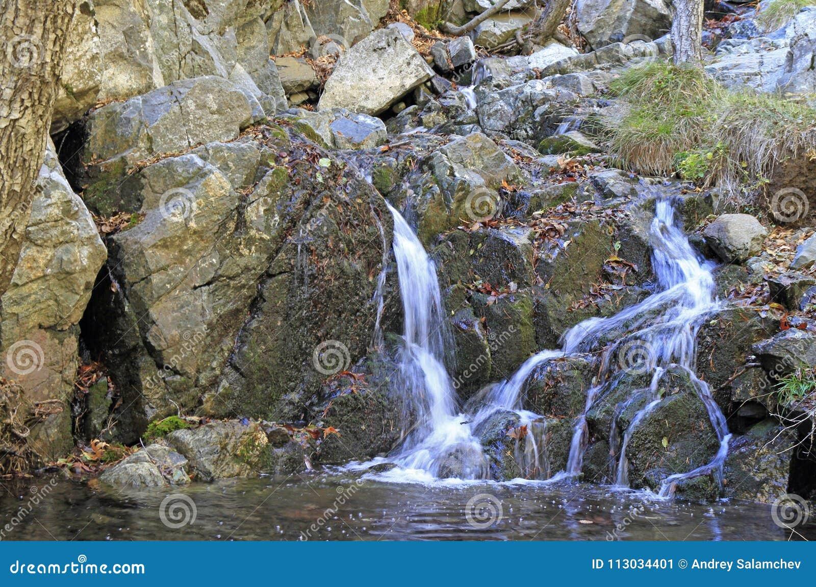 Fuente escénica en el rastro de Kalidonia