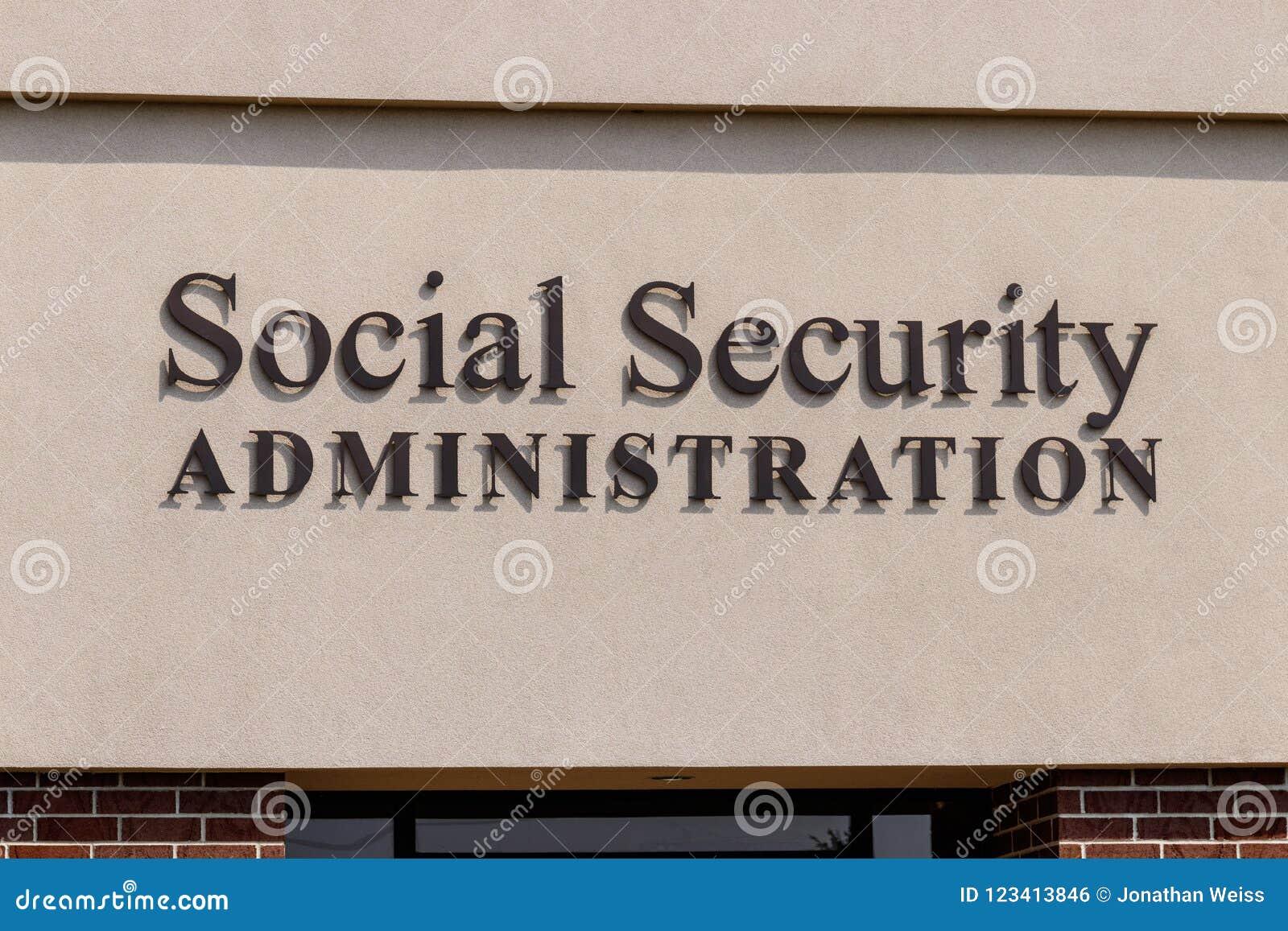 Fuerte Wayne - circa agosto de 2018: Rama local de la administración de Seguridad Social El SSA administra el retiro II