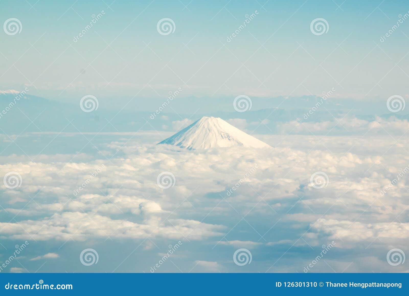Fujiberg in Japan met de groep wolk