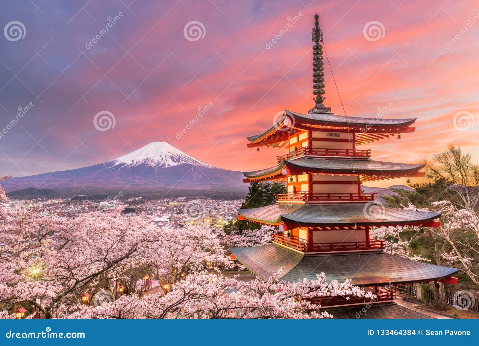 Fujiyoshida, opinión de Japón del Mt Fuji y pagoda