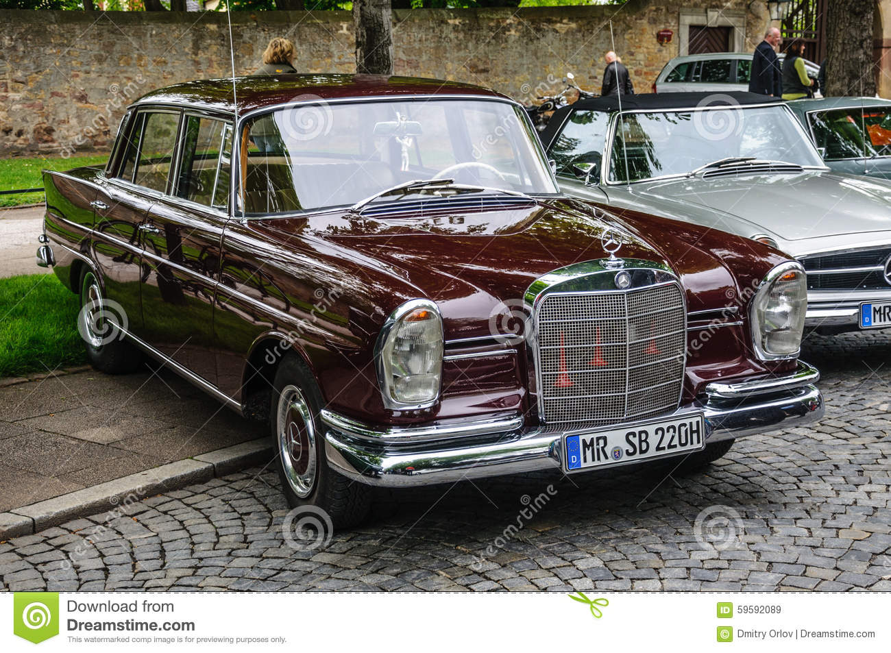 fulda germany mai 2013 mercedes benz 220 se limousine retro editorial stock image image. Black Bedroom Furniture Sets. Home Design Ideas