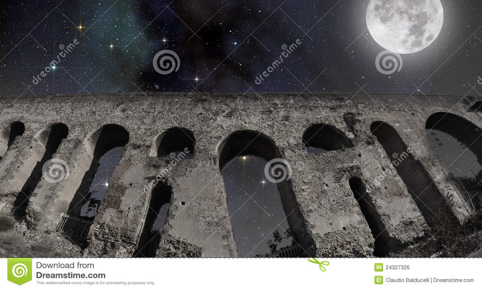 Full moon over the Roman aqueduct
