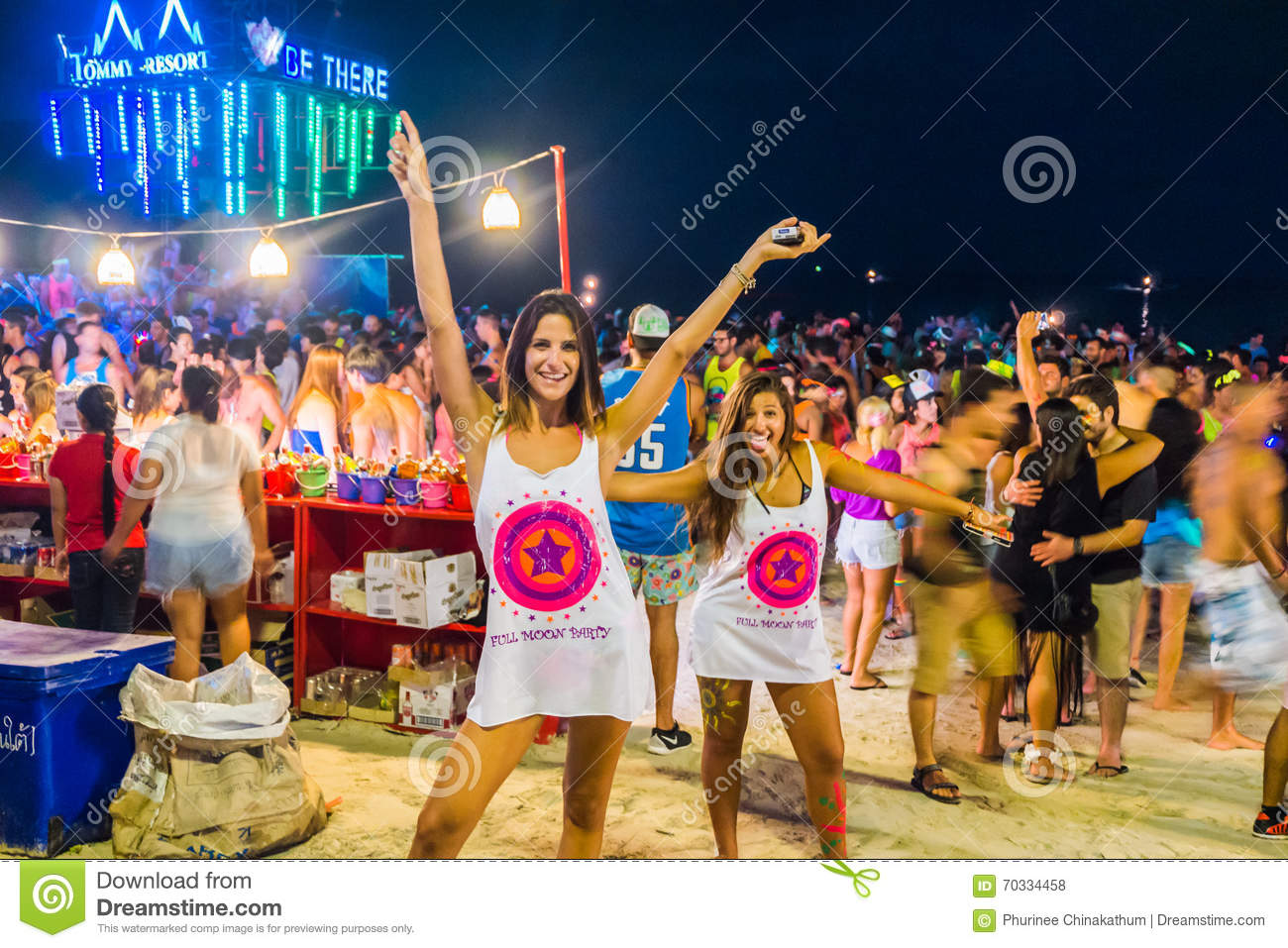 full-moon-party-koh-phangan-thailand-october-haad-rin-thailand-all-night-beach-70334458.jpg
