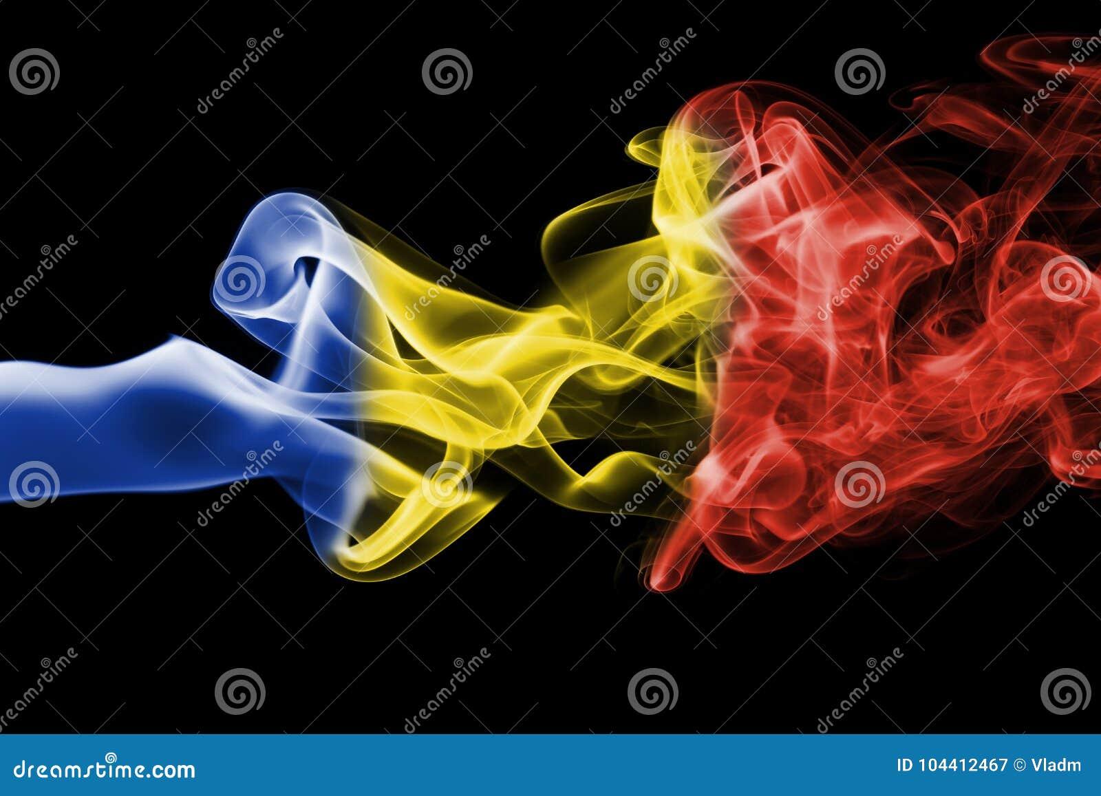 Fumée de drapeau de la Roumanie