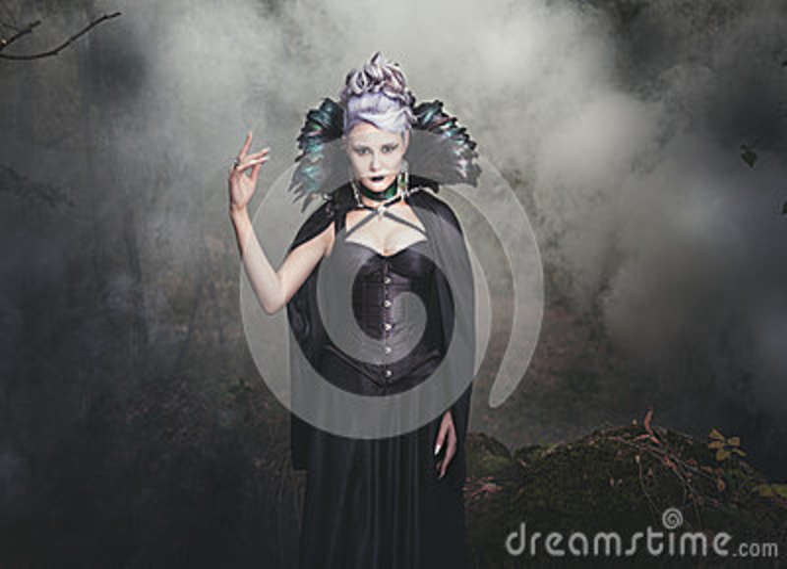 Fumo da bruxa da mulher