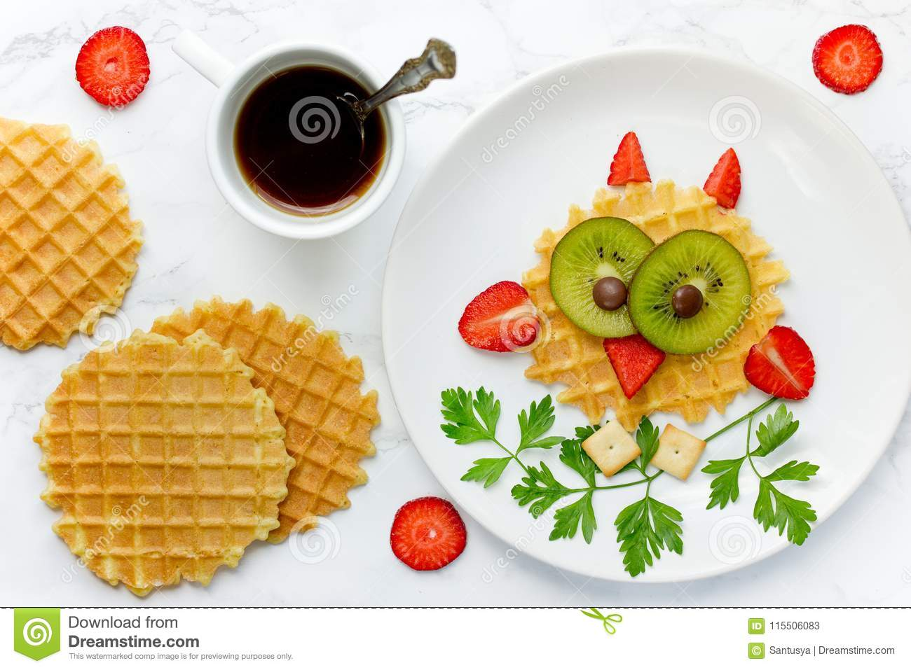 Fun food for kids owl sweet waffles with kiwi and strawberry