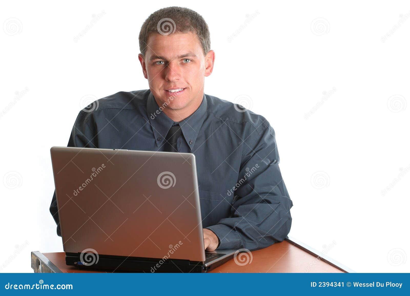 Funcionamento masculino novo no portátil