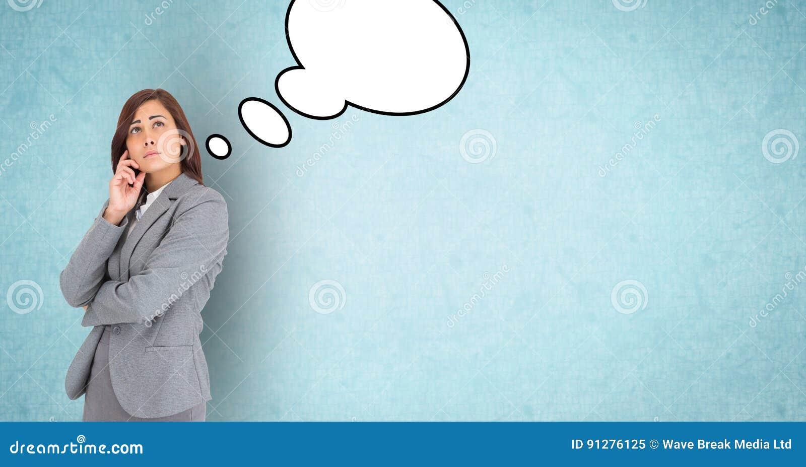 Fundersam affärskvinna med anförandebubblor
