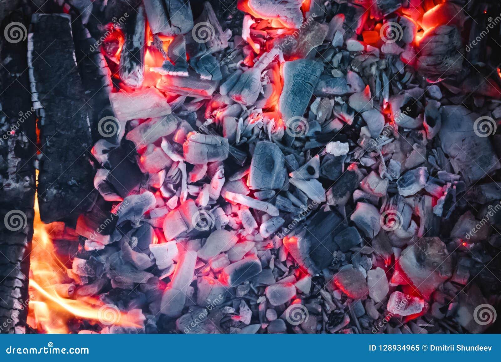 Fundo abstrato de carvões ardentes