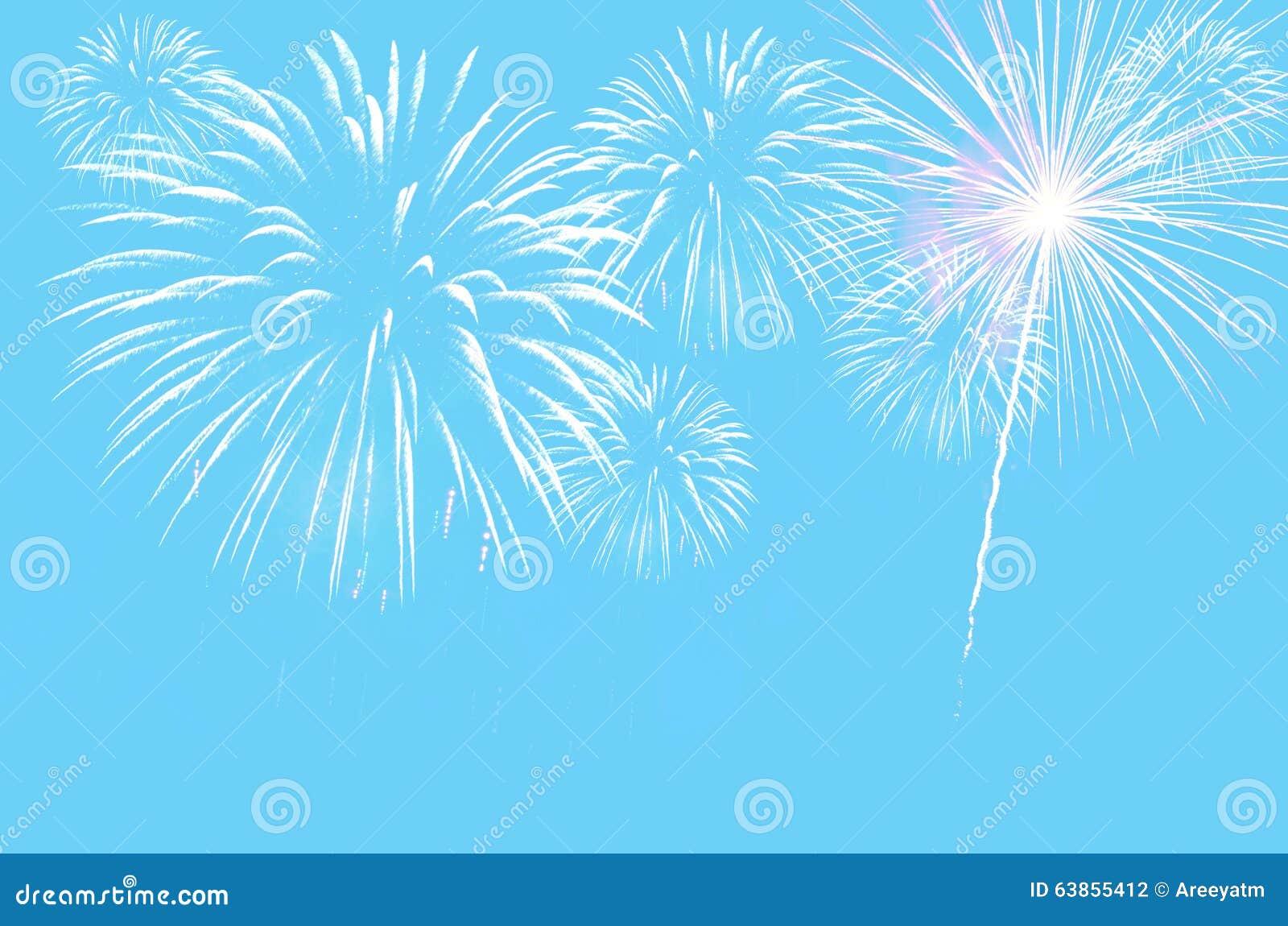 Fundo ciano pastel da cor com fogos-de-artifício