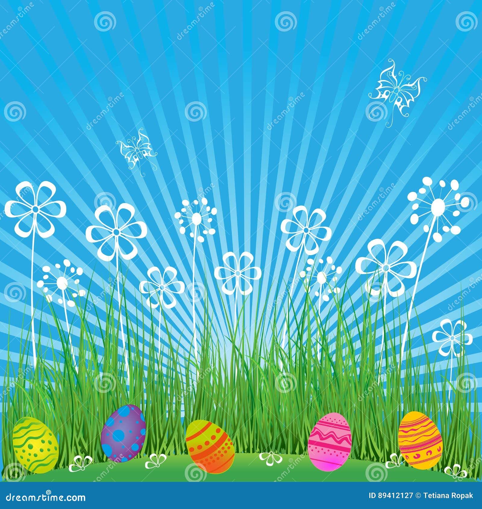 Fundo da Páscoa com ovos bonitos, flores e borboletas Cena da mola dos desenhos animados com grama, céu e os ovos coloridos no ca