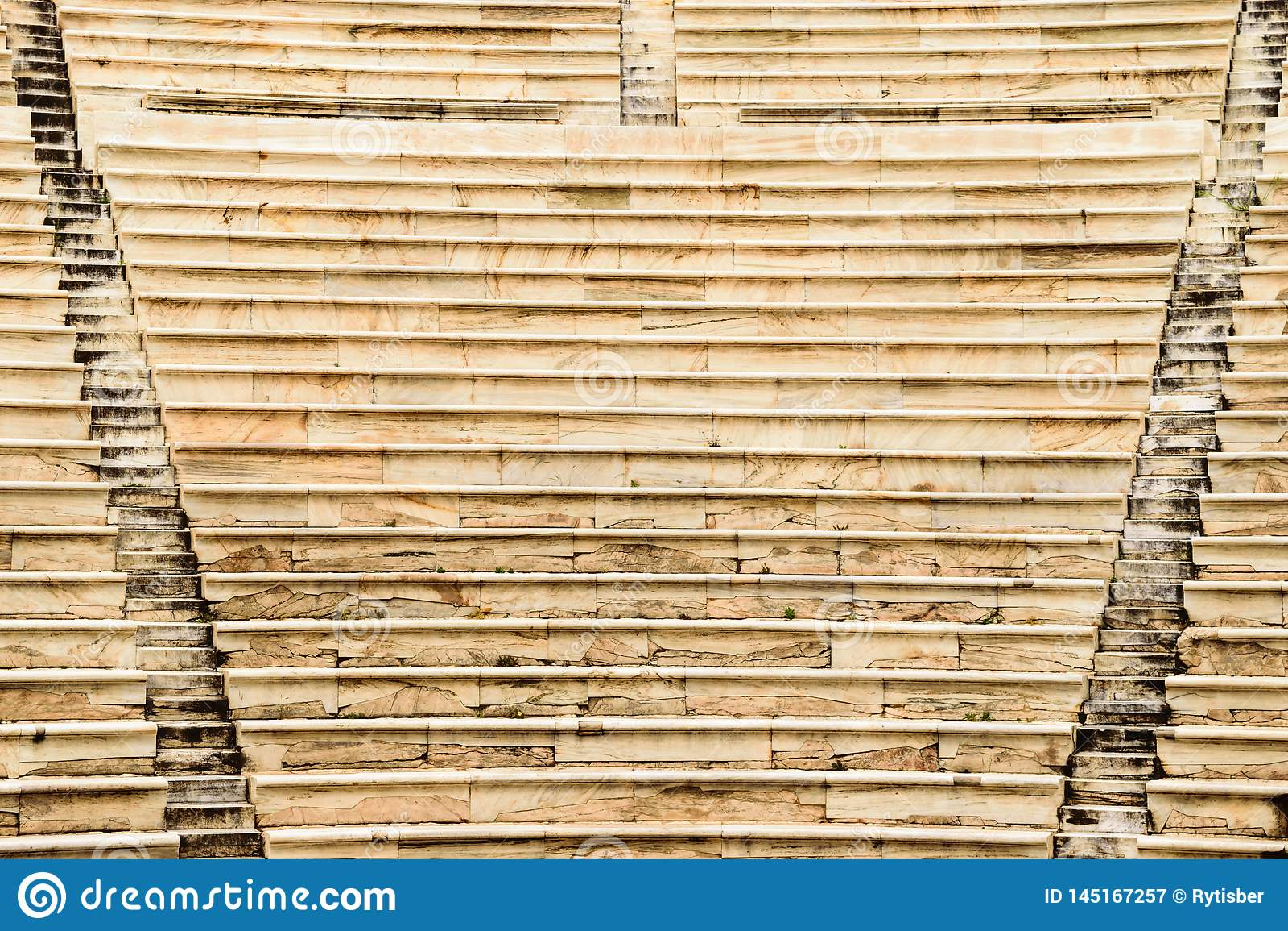 Fundo das escadas no Atticus de Herod do teatro na acrópole