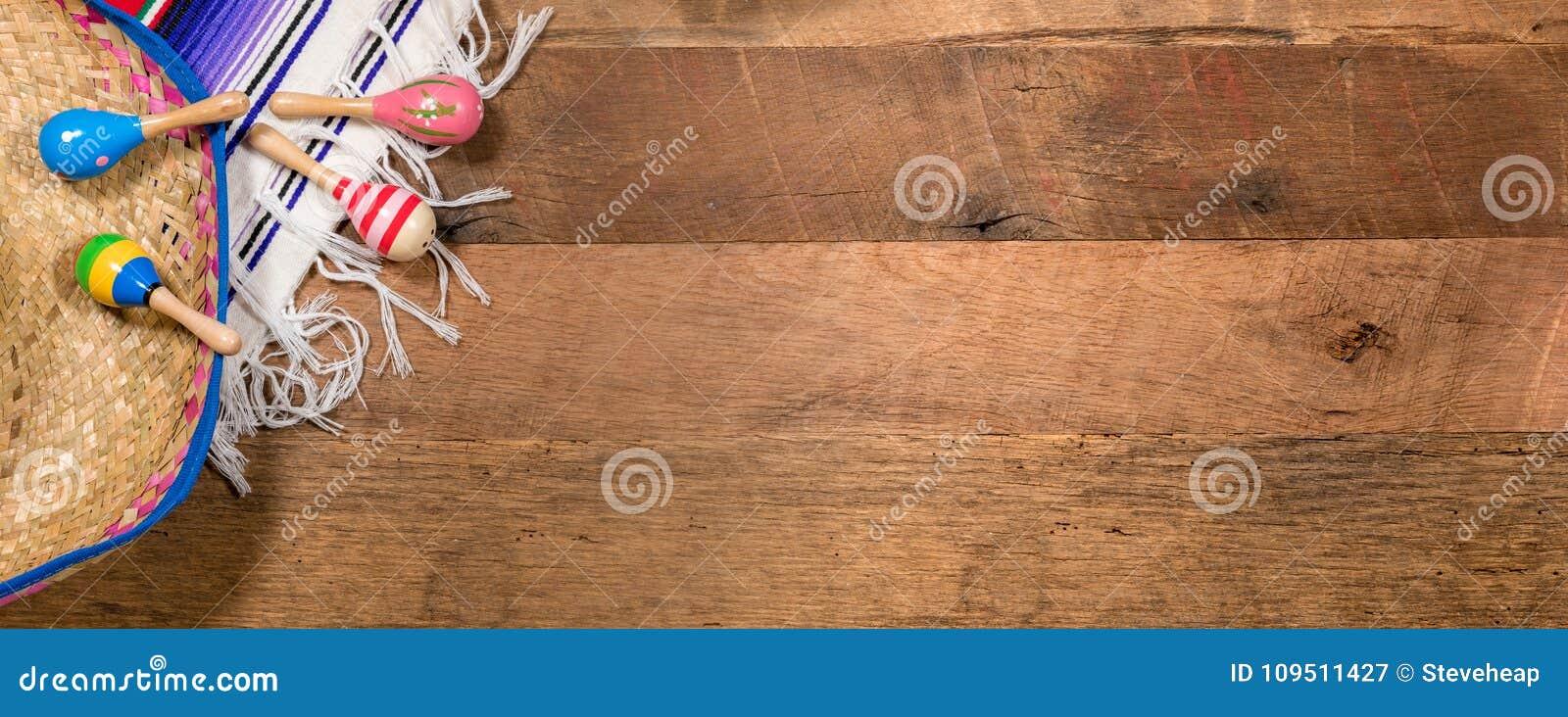 Fundo de Cinco de Mayo em placas de madeira