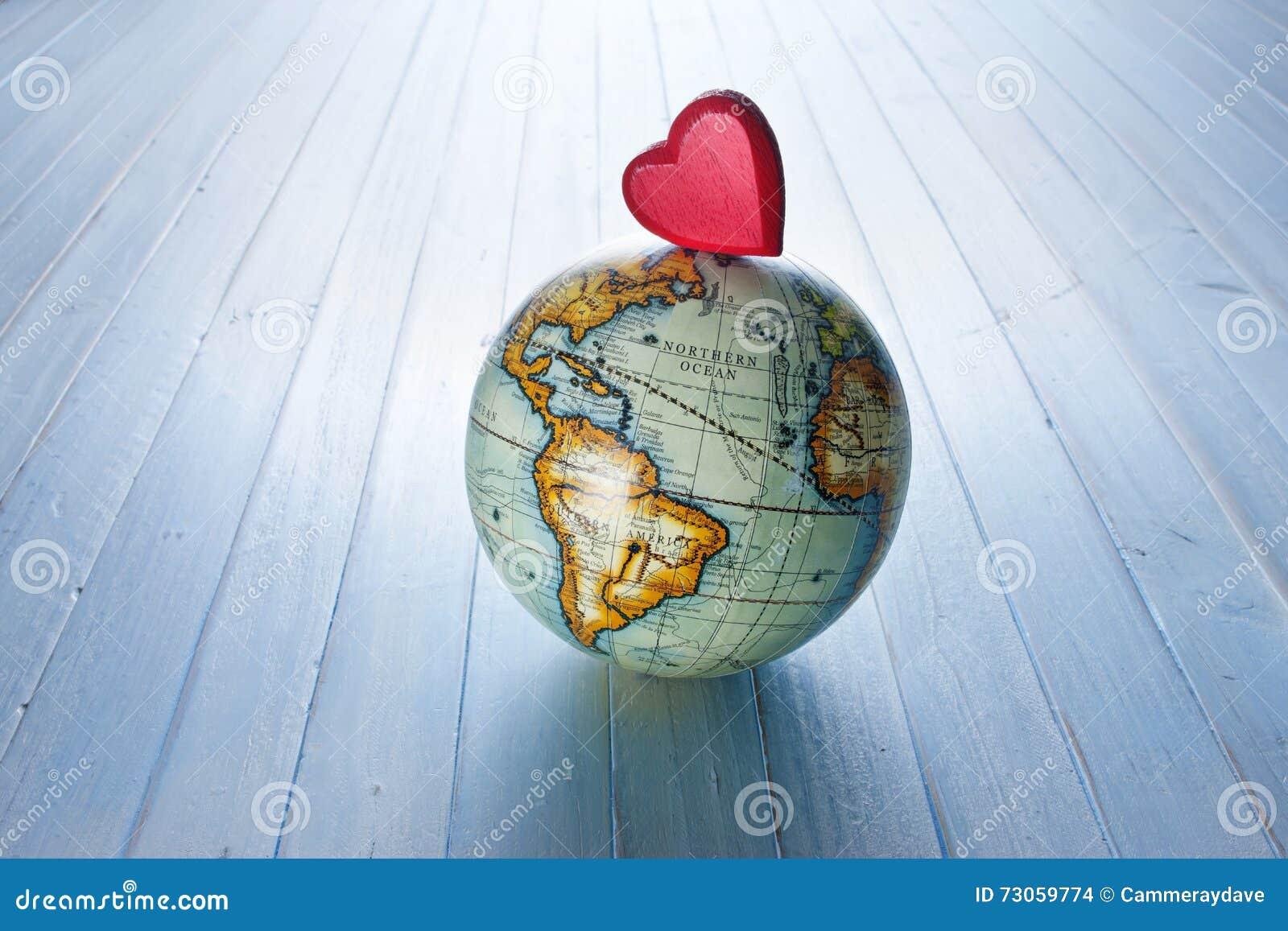 Fundo do globo do mundo do coração do amor