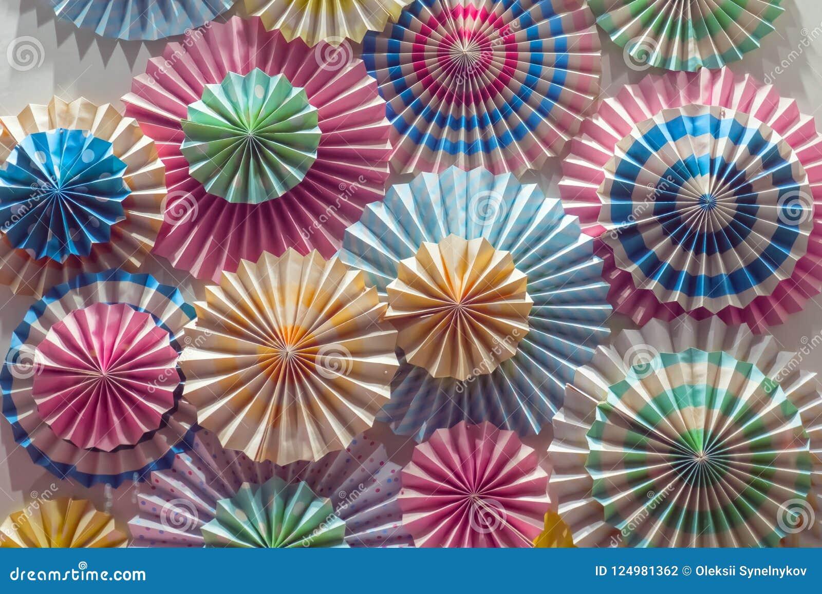 Fundo dos queques Close-up colorido dos objetos Guarda-chuvas para o fundo colorido brilhante do fundo dos cocktail
