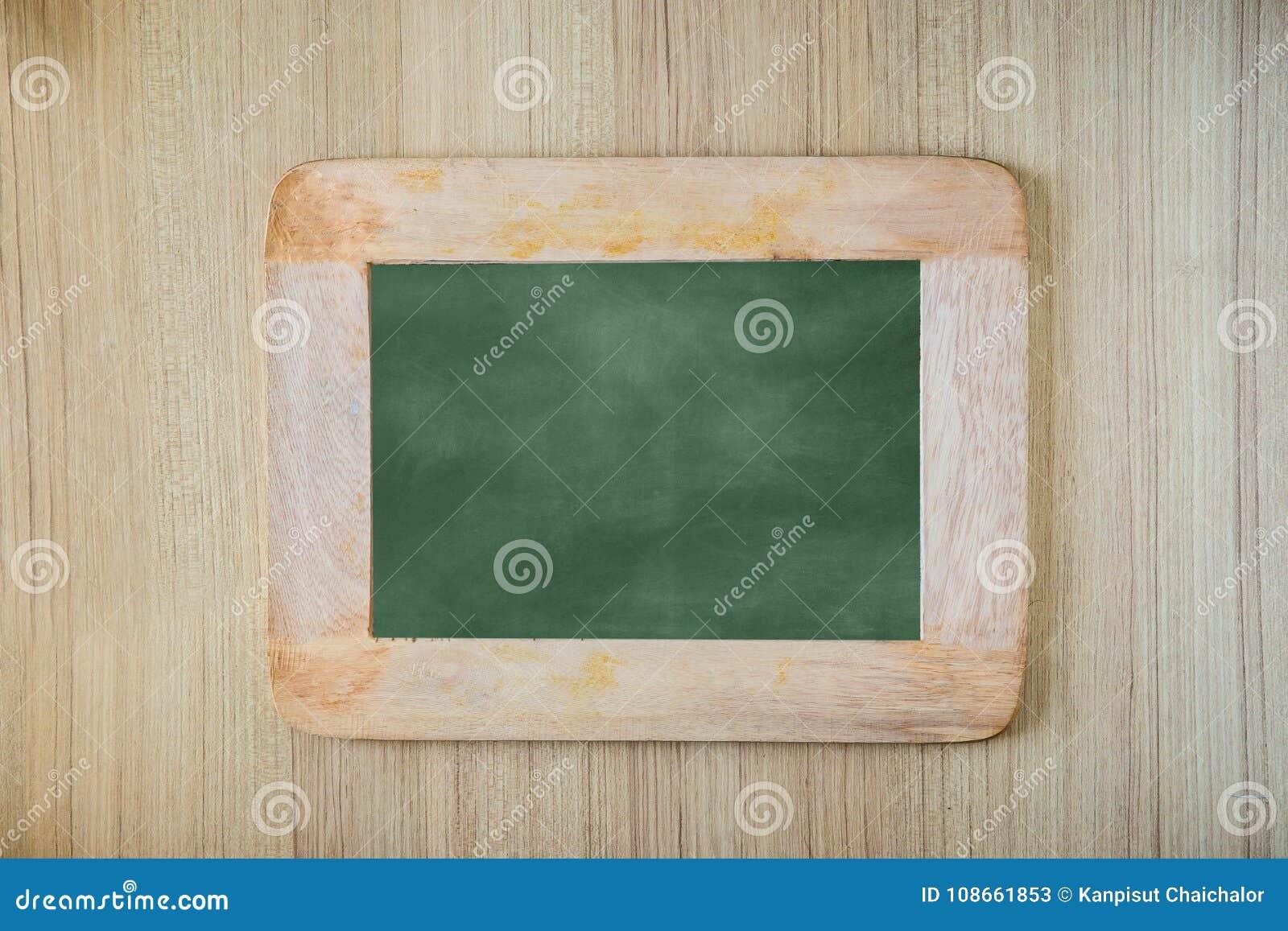 Fundo/placa vazios da placa de giz Fundo do quadro-negro