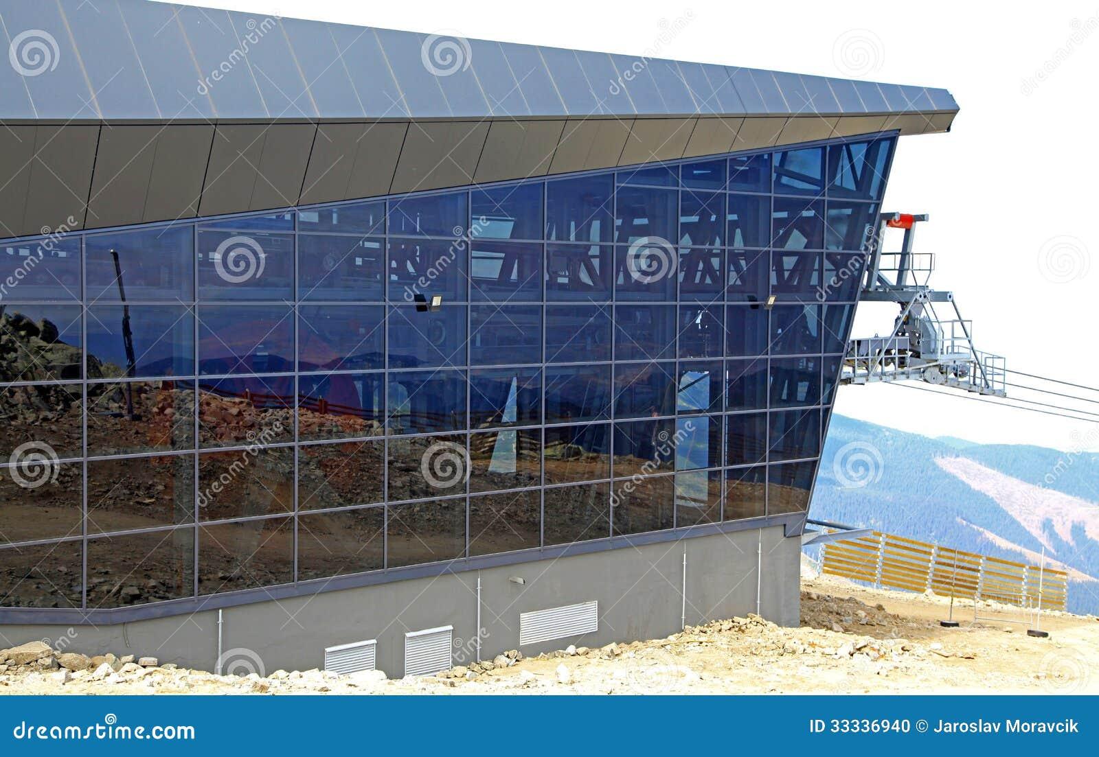 Funitel modern ropeway editorial image image 33336940 for Moderne skihotels