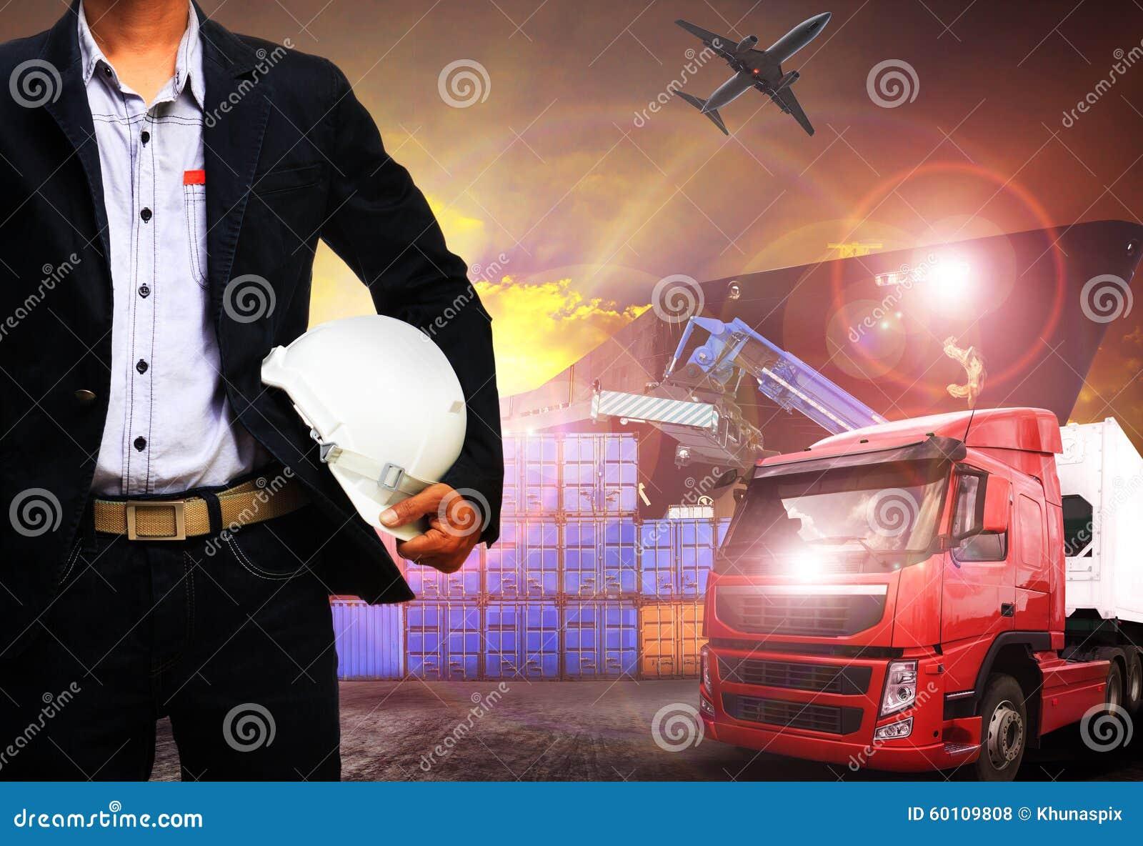 Funktionsduglig man i sändningsport, fraktlast, logistiskt och import,