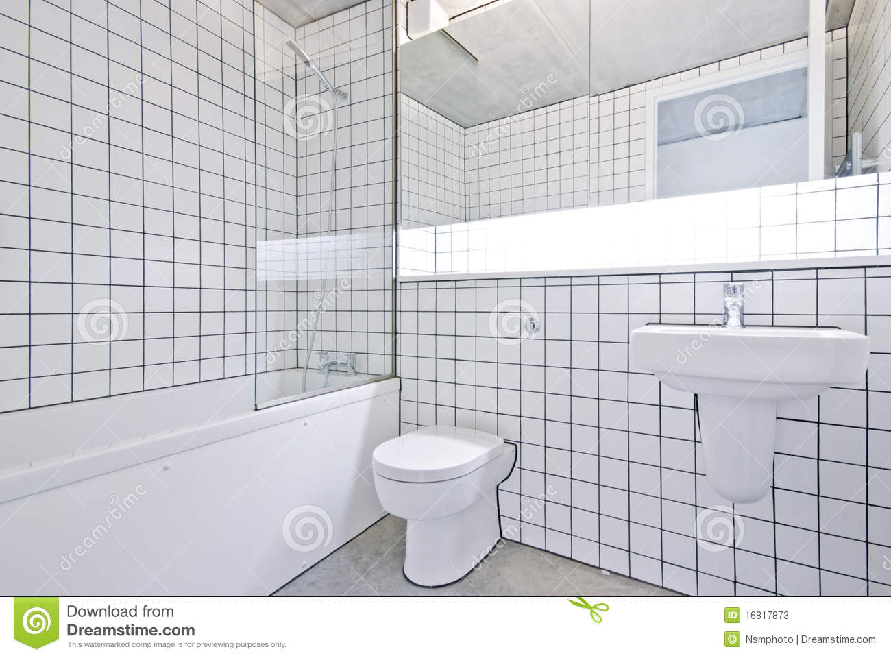 Funky Designer Bathroom In A Warehouse Conversion Stock Photos Image 16817873