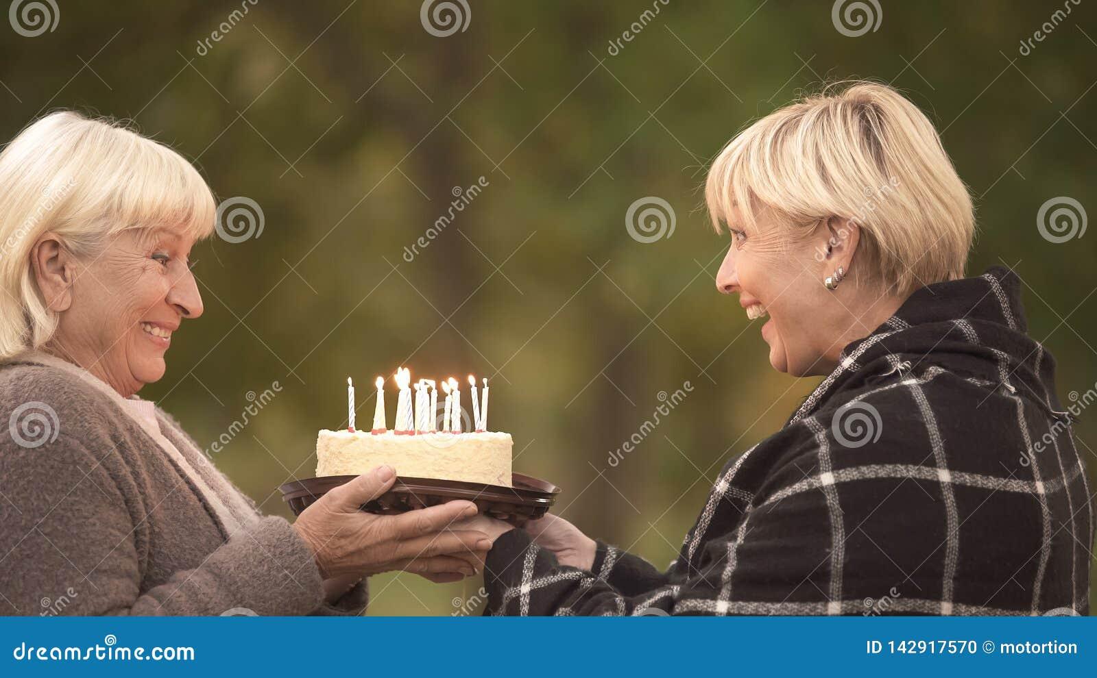 Strange Funny Cake Joke Happy Senior Woman Congratulating Female Friend Funny Birthday Cards Online Inifodamsfinfo