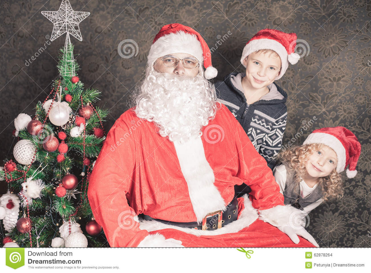 funny family happy kids and santa claus - Santa Claus With Kids