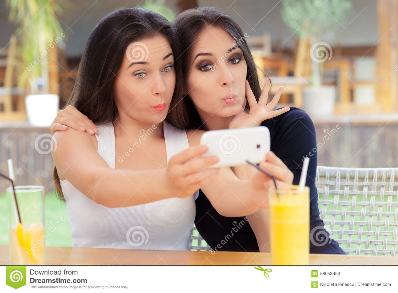 image Silly selfie girls 1040