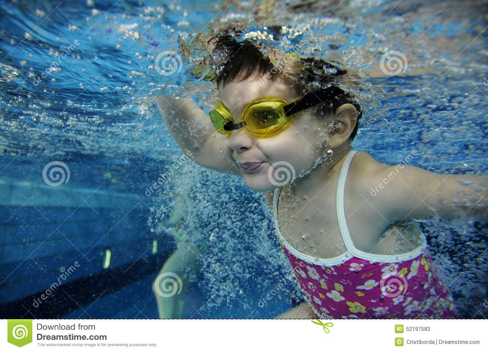 Lots of underwater sea creatures stock image for Burbuja piscina