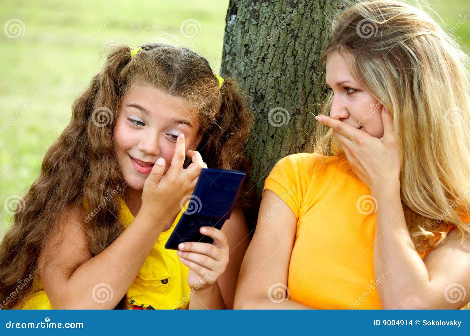 Читать на даче с дочкой, У подруги на даче » Эротические порно рассказы и секс 26 фотография